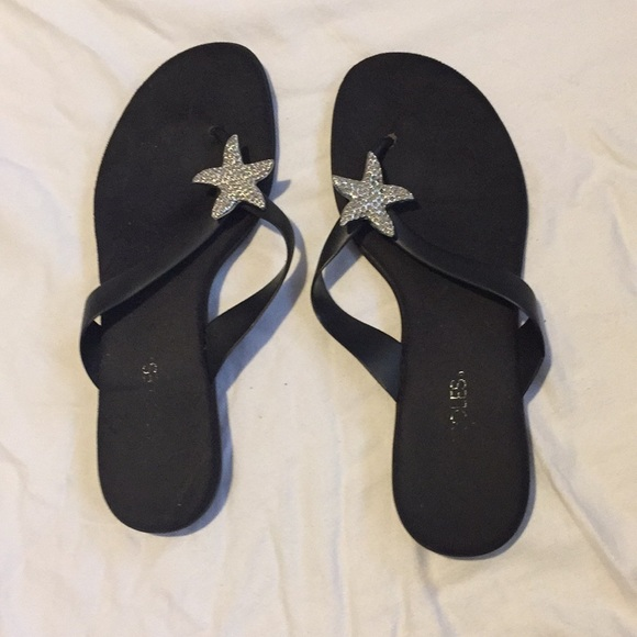 32d6829a8a55 AEROSOLES Shoes - Aerosoles size 8.5 starfish flip flop